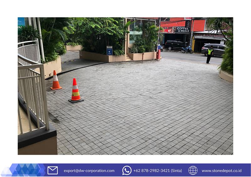 dark-grey-andesite-stone-tiles-eastparc-hotel-yogyakarta (2)